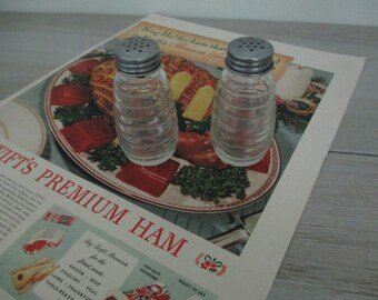 Retro Kitchen Salt and Pepper Shakers Glass