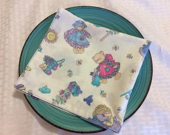 Set of 2 Cute Kitten Napkins - Print Reversible Cloth Napkins - Spring Cloth Napkins