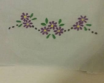 Purple flower embroidery patch