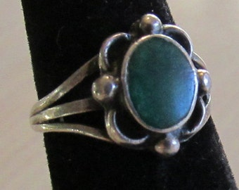 Sterling Silver and Green Stone Ring Size 4 3/4