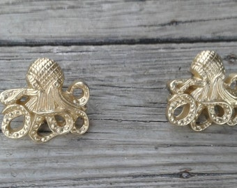 Octopus drawer pull, golden octopus drawer pull, drawer knob, dresser knob, Octopus knob, large knob
