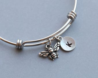 Bee Bracelet, Personalized Bracelet with Bee Charm, Bee Charm Initial Bracelet, Bangle Charm Bracelet, Gift for Bee Keeper Stacking Bracelet