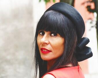 Black pillbox hat - Silk pillbox hat for her - Jackie Kennedy hat - Race black hat - Black Royal Ascot hat