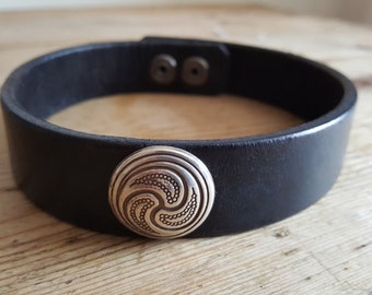 Handmade Leather Day Collar