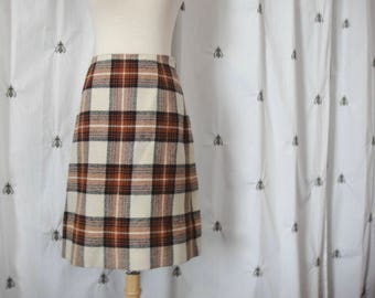 Vintage Plaid Mini Skirt, by Hooper, Made in Scotland, Ivory and Rust, Lined Wool Skirt, Size 10, Medium