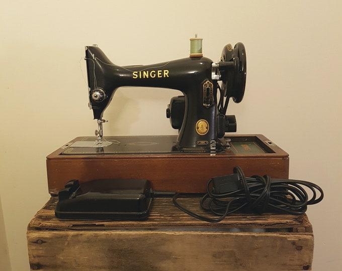 Singer 99k Electric Sewing Machine - Bent Wood Case