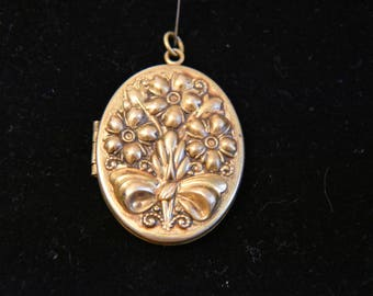 Victorian Locket With Flowers