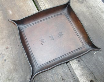 Personalized Leather Valet Tray.   Dresser Tray, Desk Tray, Change tray, leather bowl trinket tray. Gift