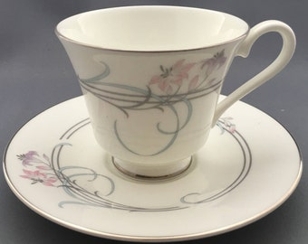 Rpyal Doulton Allegro H5109 Tea Cup and Saucer