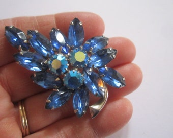 Vintage Beautiful Large Blue AB Crystal Rhinestone Silvertone Brooch