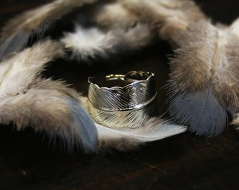 Feather falling ring, dungeons and dragons jewelry, feather ring, bohemian jewelry, feather jewelry, larp jewelry, fantasy jewelry