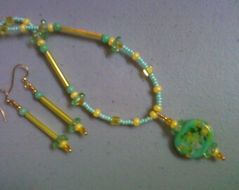 Minty Green and Yellow Necklace and Earrings (0214)