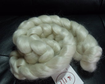 Mohair roving for spinning