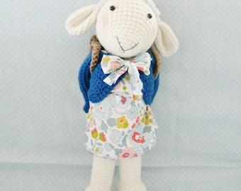 Hand-made crochet sheep Frimoussette