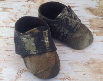 Hunting Camo Baby Shoes with Straps | Newborn size up to 4T