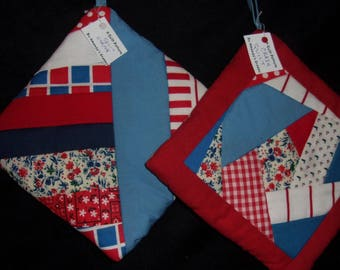 POTHOLDER (19) Red Blue, String, Crazy Quilt Traditional Quilt Pattern, Primative, Country, Cabin, Ranch, FarmHouse, Rural, Manish, Loft