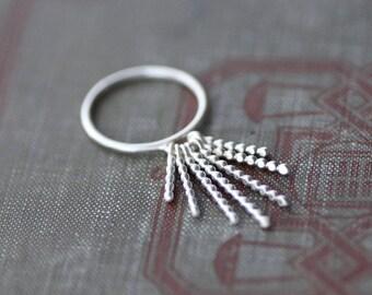 Sterling Ring mit baumelnden Perlen Pins