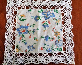 Lace cotton hanky, Vintage Handkerchief for Women with Lace, Wedding Bridal Hanky, Floral Hanky w/ White Crochet Lace, Thanksgiving Hankies
