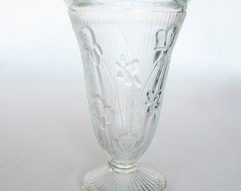 Jeannette Glass Company Iris And Herringbone Vase