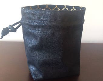 Oubliette Stand-up Dice Bag, Square Bottom