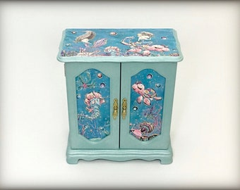 Mermaid Jewelry Box, Aqua Girls Jewelry Box, Little Girls Hand Painted Jewelry Armoire, Gift for Daughter Granddaughter Niece, Sea Creatures