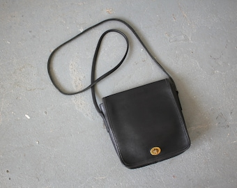 vintage coach purse / black leather coach cross body bag / 1980s coach leather handbag / 80s coach shoulder bag / small leather purse