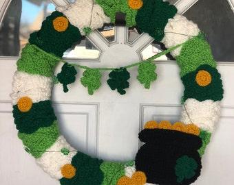 Crochet St Patrick's Day wreath pot of gold four leaf clover irish