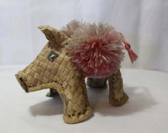 Mid Century Basket Weave Pig
