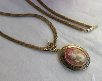 """Locket - Cameo - Mesh Chain - """"1928"""" Necklace - Vintage"""