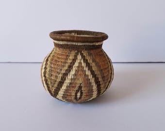 Wounaan Embera woven basket, Panama, Columbia, Rainforest, Basket Art, Woven basket