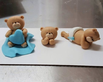3 little teddy bears cake toppers made of fondant