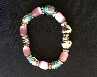 Pink bracelet with glass flower beads