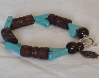 Blue arrow bead bracelet