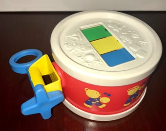 vintage 1976 Fisher Price toddler musical drum childrens toy number 421