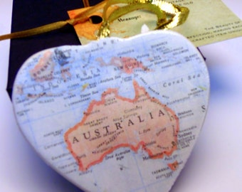 Australia Map Christmas Ornament, Your Special Place in the Heart / HONEYMOON Gift / Wedding Map Gift / Travel Tree Ornament /