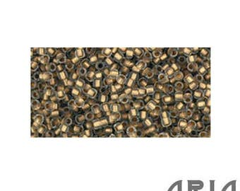 CRYSTAL GOLD LINED Matte (989F): 15/o Toho Japanese Seed Beads (10 grams)
