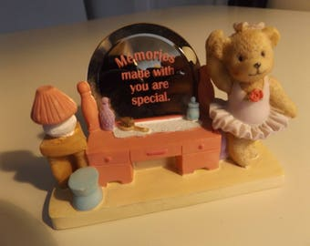 """Cheerful Reflections """"Memories Made with You Are special"""" figurine"""