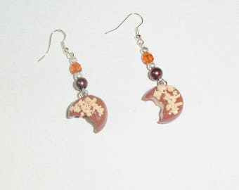 Earrings chocolate crunched and crisp white chocolate