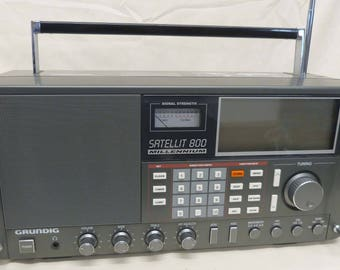 Vintage Grundig Shortwave Multi-Band radio. Powerful antenna, great for preppers or homesteaders. Specialty, world-band, military, prepper