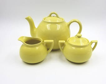 Soft Yellow Lipton Tea Teapot, Cream and Sugar Set