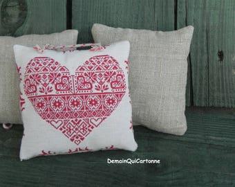 """Door linen """"Mountain spirit"""" red heart cushion"""