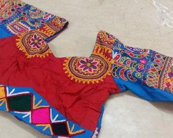 Exotic Indian Collectible Kutch banjara Tribe Traditional Mirror Hand Embroidery Belly Dance Choli/Blouse/Top Ladies Dress ATS
