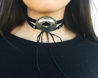 Concho Choker// Oval Concho Choker// Oval Concho// Black Velvet Concho Choker// thin black choker// southwestern choker// desert jewelry
