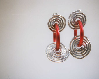 spiral earrings Hammered anodized aluminum and sterling silver Red circles-Funky earrings