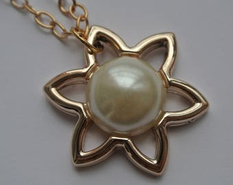 Golden Sun and White Pearl chain
