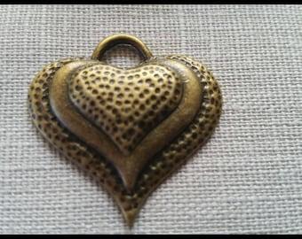 Bronze 33 mm hammered effect heart pendant