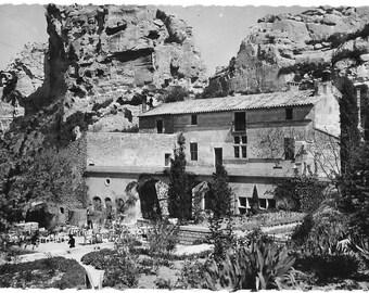 L'Oustau De Baumaniere, Les Baux-de-Provence, France, Vintage 1950 Unused Tourism Real Photo Postcard