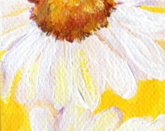 White Shasta Daisy Painting on Yellow Original on 2 x 4 canvas, mini easel, acrylic painting, daisy mini canvas, daisy mini painting