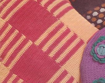 459 FREE Vintage Retro Squares Cushion Crochet Pattern, Couch Pillow Pattern, Vintage Patterns, FREE Crochet Pattern, Toss pillow Pattern