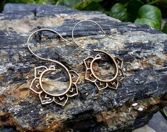Tribal Brass Earrings, Lotus Leafs Design,spiral Earrings, Brass Tribal Earrings, Boho Earrings. Nature inspired. Boho Jewelry.